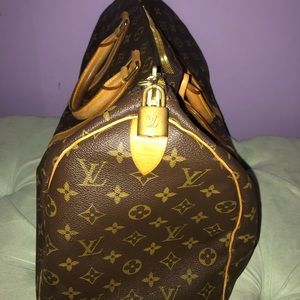 Louis Vuitton Bags - Louis Vuitton duffel bag
